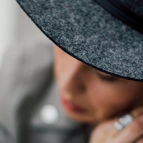 Fashion Hats Shopping & Styling Tips